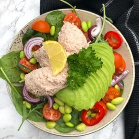 Salat med sund tunmousse og avocado