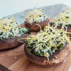 Fyldte portobellosvampe med spinatfyld og parmesan