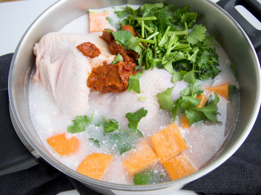 One pot thaisuppe med kylling og nudler