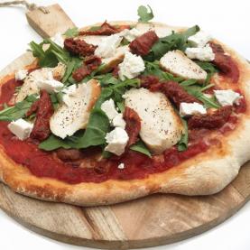 Den bedste pizzadej og tomatsauce – Hjemmelavet pizza