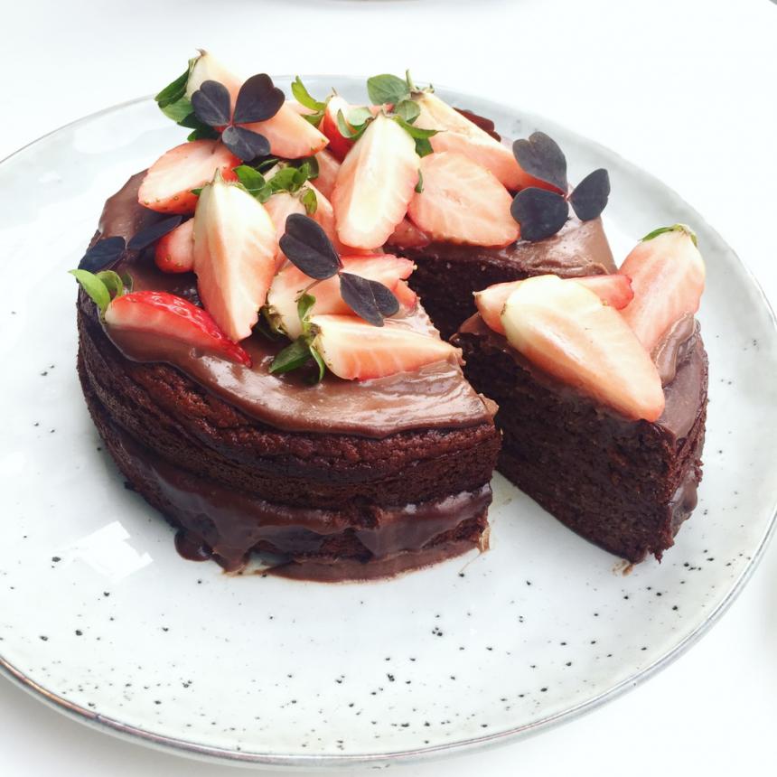 Sund chokoladekage med chokoladecreme