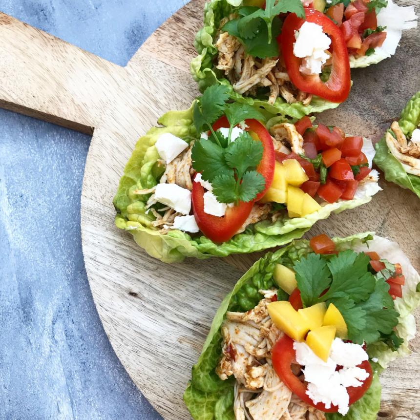Salat tacos med pulled chicken