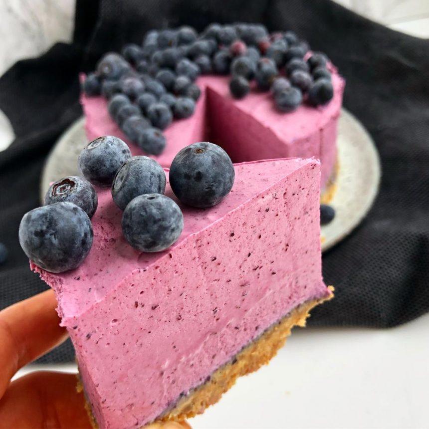 Blåbærcheesecake med friske bær
