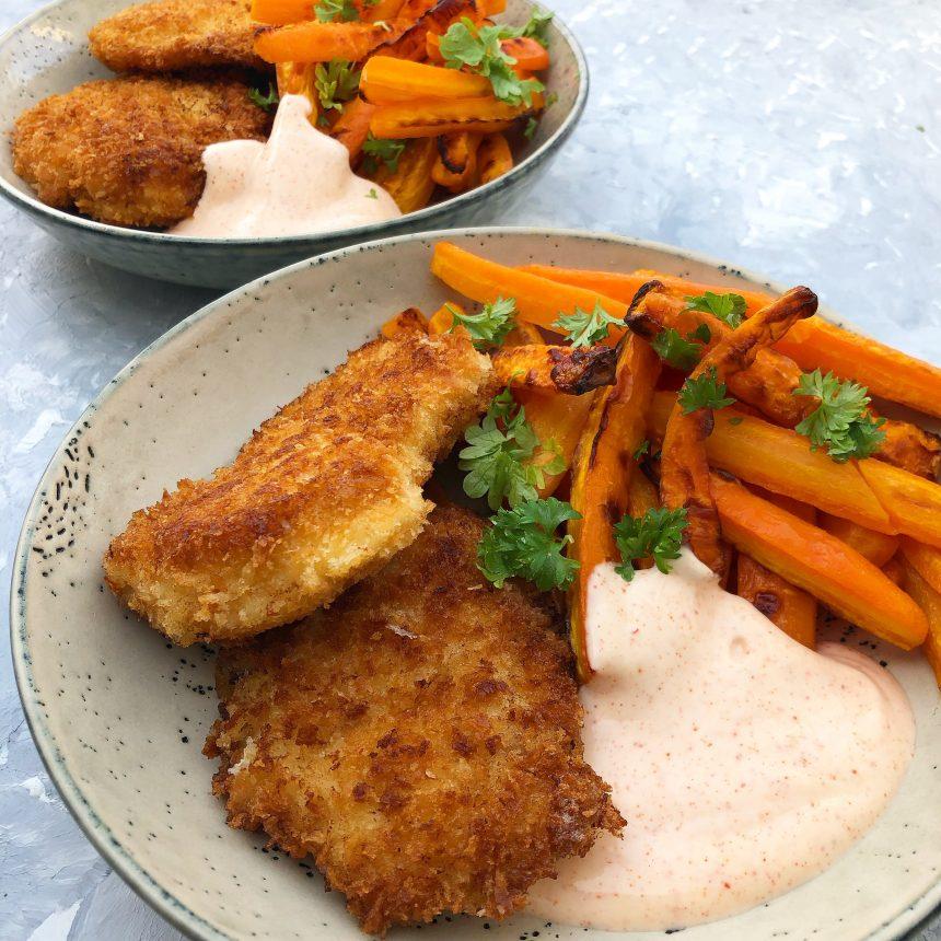 Crispy chicken med gulerodsfritter