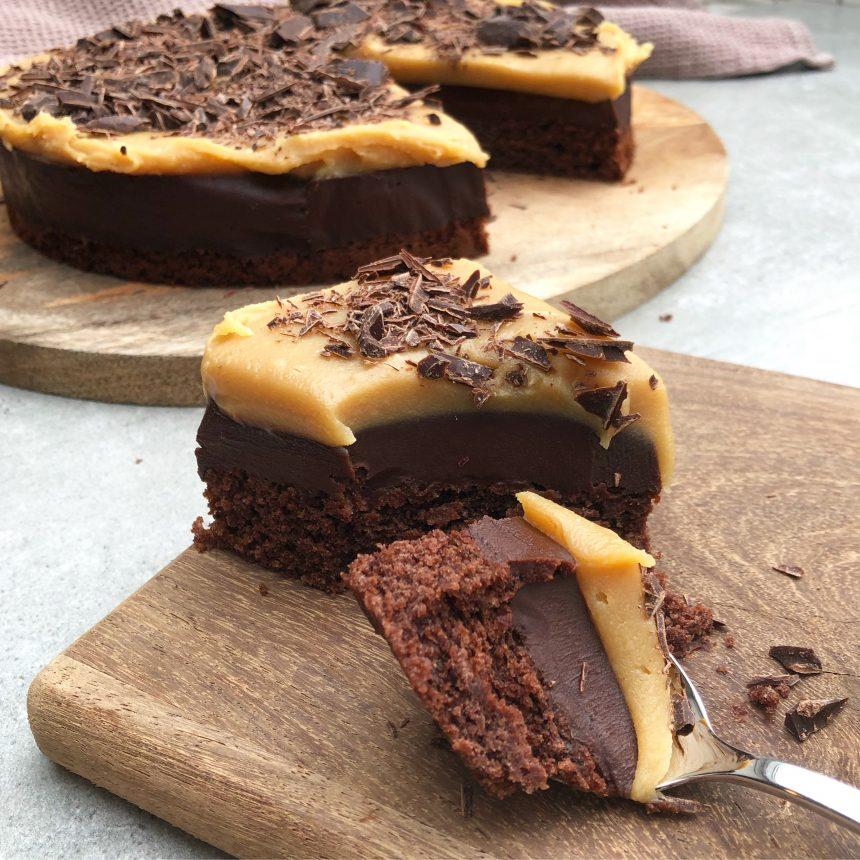 chokoladekage med trøffel og karamel