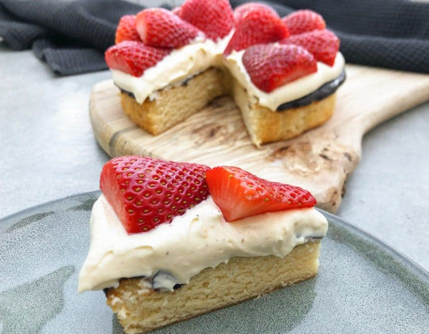 nem jordbærtærte på 5 ingredienser