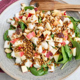 Opskrift på salat med honningmelon og paprikaristede solsikkekerner