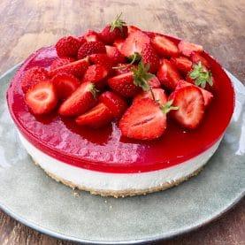 Cheesecake med jordbærgele