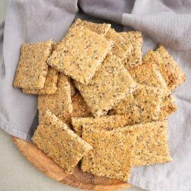 Opskrift på hjemmelavet knækbrød med chiafrø
