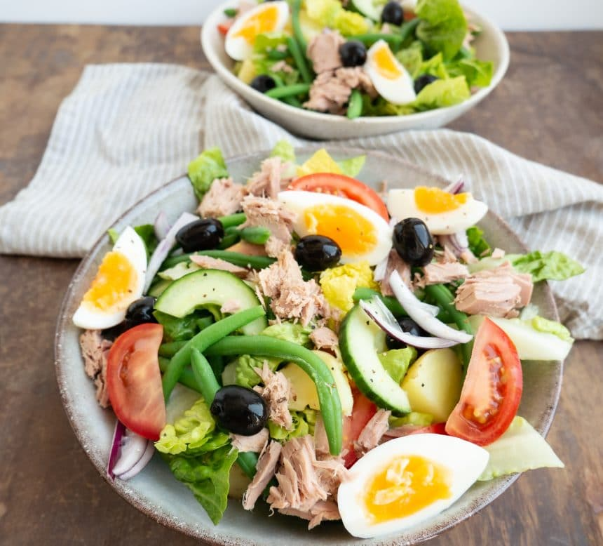 Opskrift på Salade Nicoise - Salat med tun og æg