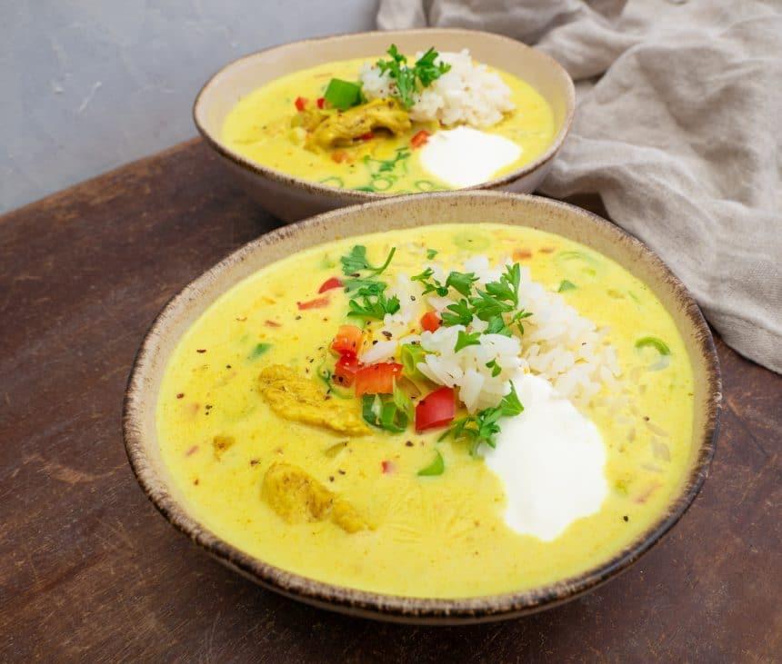 Opskrift på karrysuppe med kylling og ris