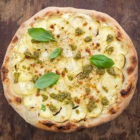 Opskrift på kartoffelpizza med pesto