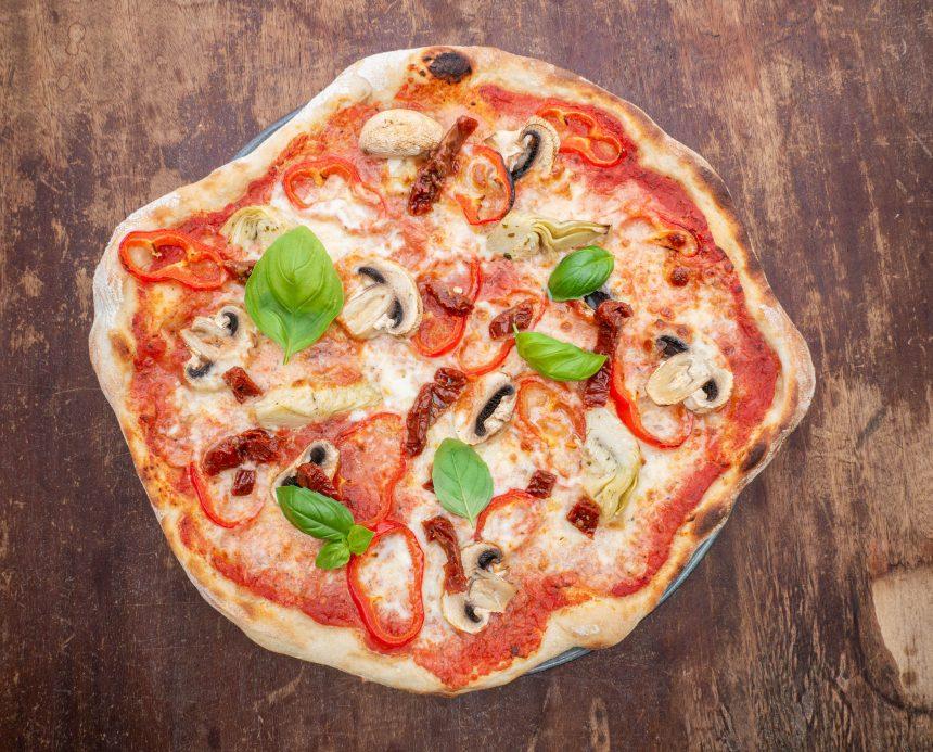 Opskrift på pizza med grøntsager