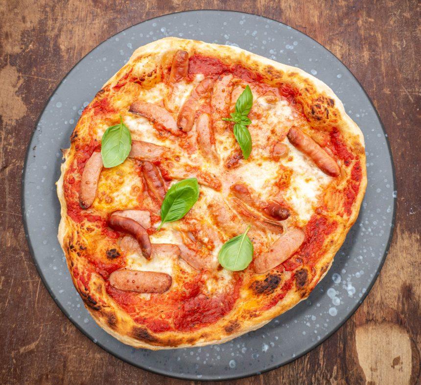 Opskrift på pizza med cocktailpølser