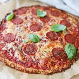Opskrift på blomkålspizza