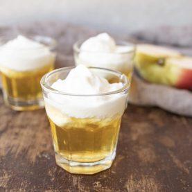 Opskrift på æblekage shots